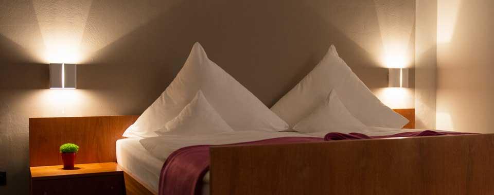 Unsere renovierten Einzel- und Doppelzimmer mit drei Sterne Standard