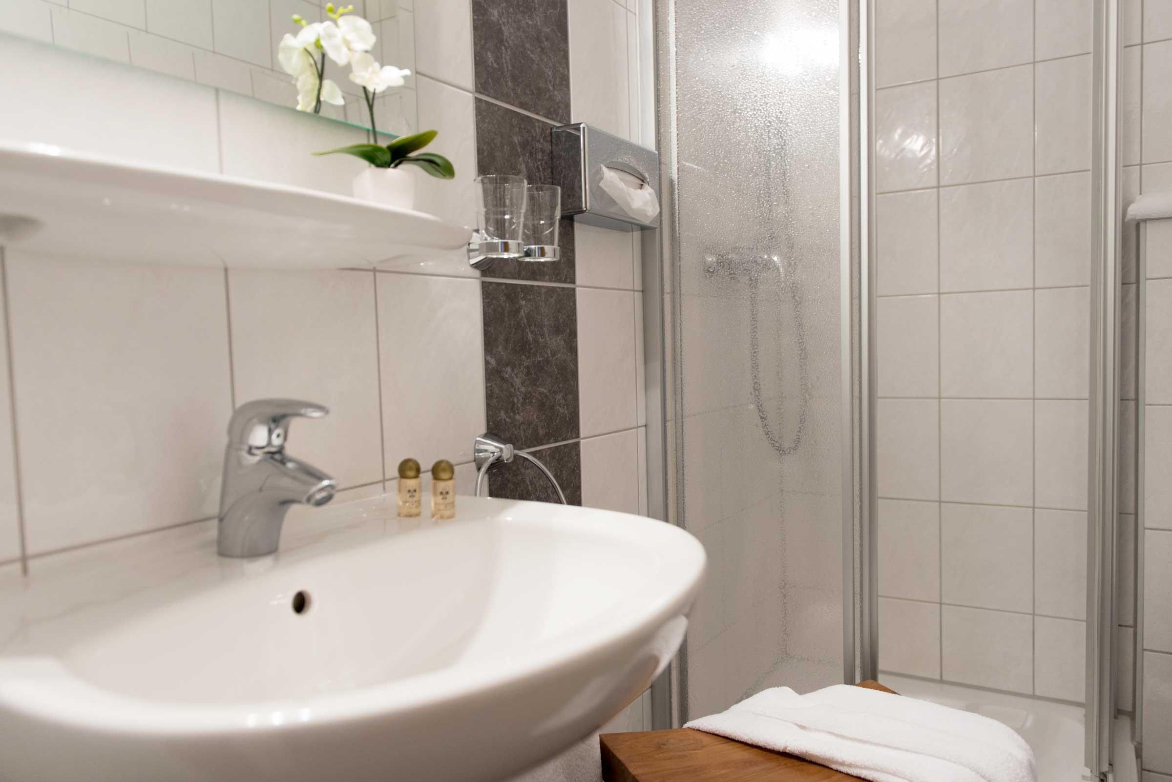 Hotel Brigitte Komfort Doppelzimmer Bad